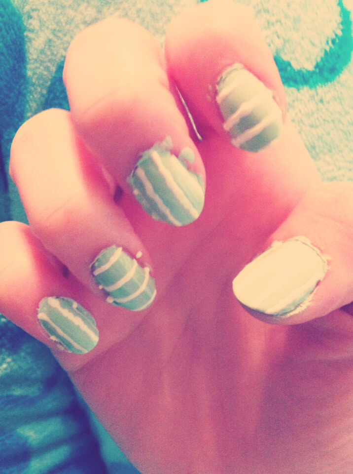 I used a polish pen from nailritz to make alternating stripes... White recommended.