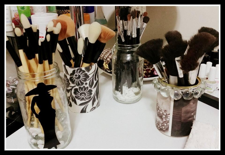 Make Up Brush Holder: Do not throw away cans or jar bottles. Redecorate them with gift wrap paper or scrap book paper. Bling Bling it with your CREATIVITY.
