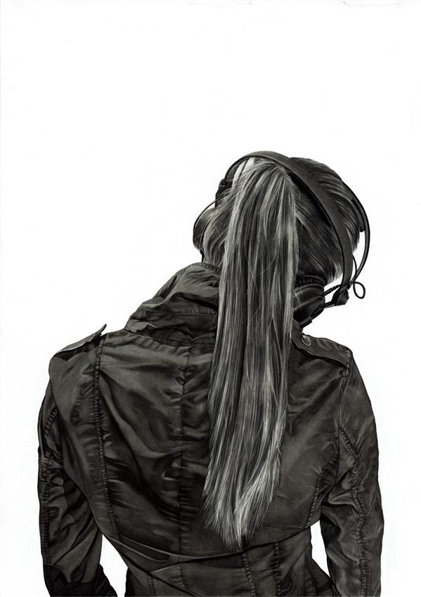 Картинки со спины девушки в капюшоне