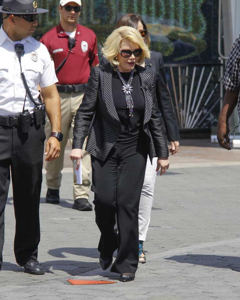 Transform Your Look with Accessories Joan Rivers isn't new to the limelight/style. She's been designing for decades& u'll notice that Joan is rarely without either a statement necklace/ scarf. In fact, many of her outfits are quite similar, but it's the accessories that make it look fresh & styled.