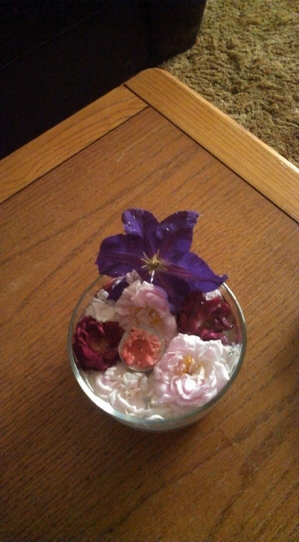 freshen up your house with this decorative flower bowl !