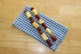 Put whatever fruit you like on the stick and enjoy!