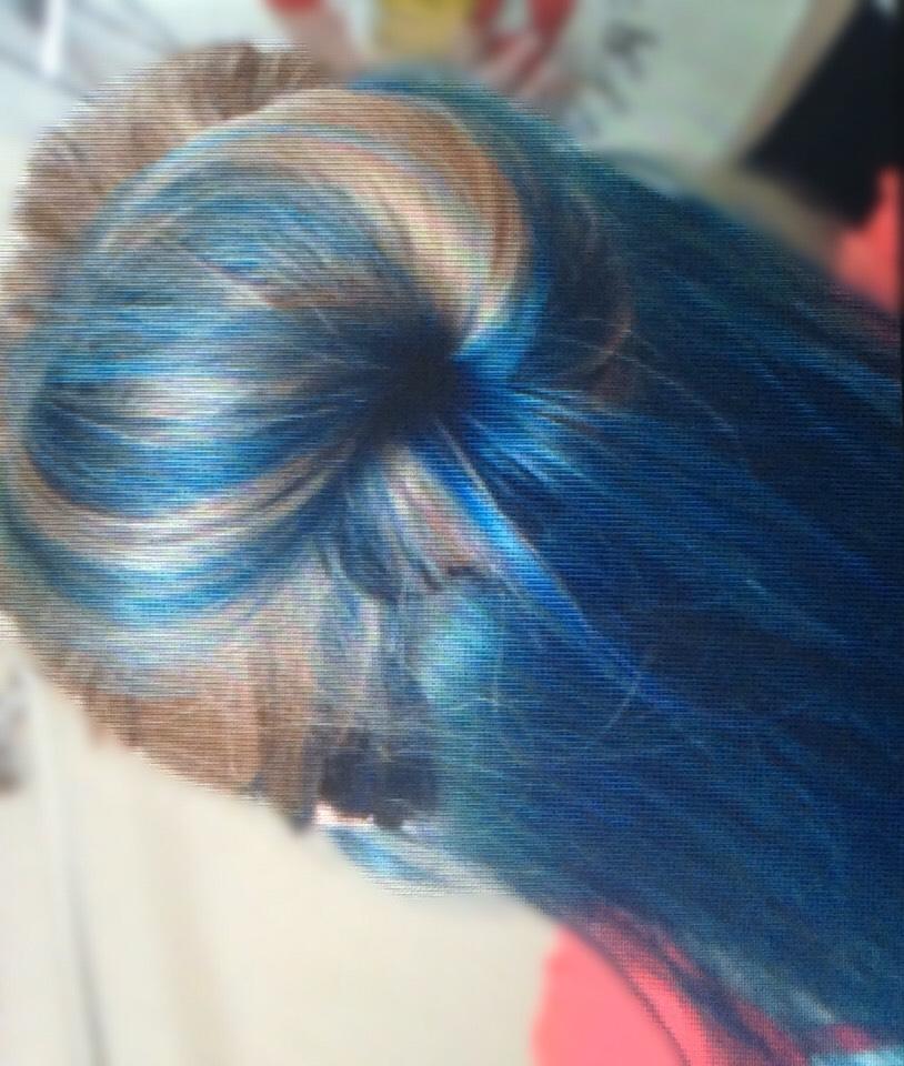 Again(a bit fuzzy,but love the blue!)