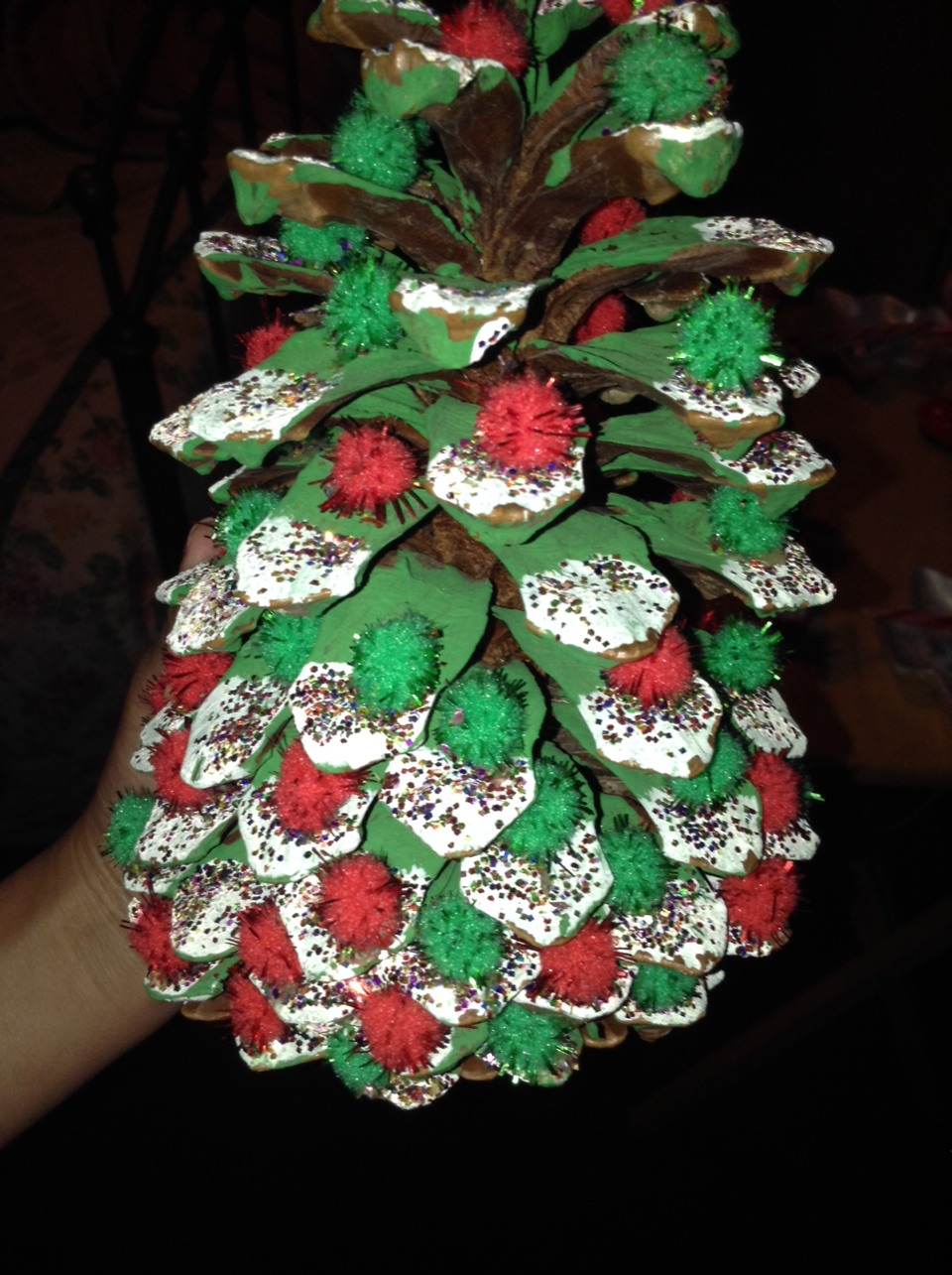 Made this as a christmas tree all you need is a pine cone and you start designing you christmas pine cone cx