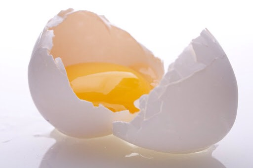 Use an egg! This may sound strange but just crack an egg open and dip your finger in it and apply to the area needed (on spots)leave this on for over 5 minutes 💞