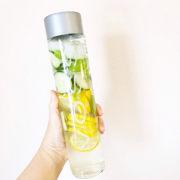 Lemon-Cucumber Infused Water 2 cups of water or sparkling water 2 cups of ice 1 lemon, sliced 10 thin slices of cucumber  *Combine all in a large mason jar or jug and drink immediately or let sit in fridge for 1-4 hours to soak in additional flavor.