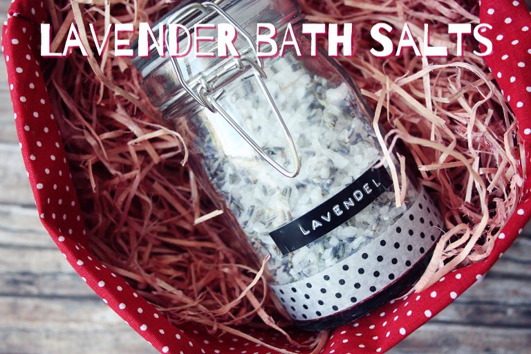 Another Lavender Bath Salts! Lavender is VERY popular. Find this one HERE | https://maedchenmitherz.de/2013/03/24/diy-lavender-bath-salt/
