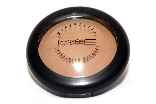 i use the mac bronzer. don't forget it's supposed to be darker then your skintone