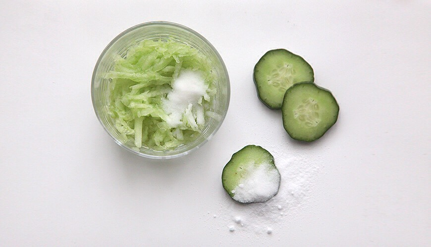 GRATED CUCUMBER + BAKING SODA | Cucumber is super famous among people that have problems with puffy eyes + dark circles, + also known as a great calming agent for sunburns + marvelous cleanser + toner.