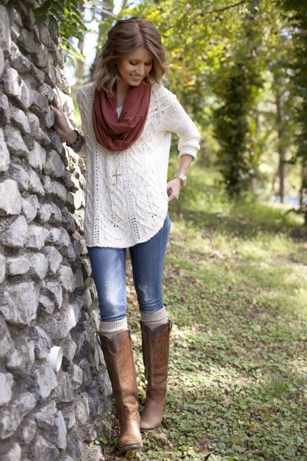 This outfit is really simple and cute for the fall
