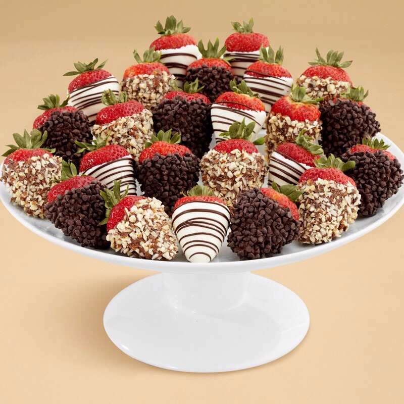 Everyone loves chocolate covered strawberries but hates the mess!