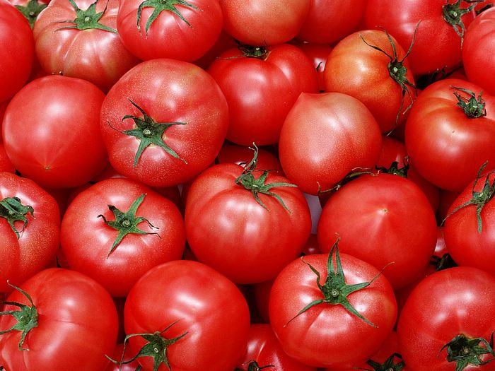 TOMATOS are loaded with vitamin A and C, potassium, folic acid, fibre, and antioxidants lycopene and lutein.Snack on them raw, add them to salads and sandwiches, or cook them in olive oil to absorb even more healthy antioxidants.
