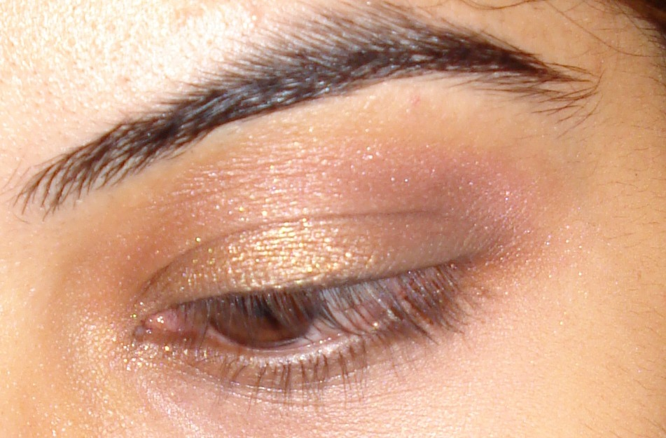 This is not a flashy eye shadow so it still looks great with the dress
