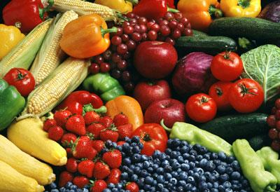 Some terrific anti-inflammatory fruits and vegetables to include in your meal plan include apples, berries, broccoli, mushrooms, papaya, pineapple, and spinach