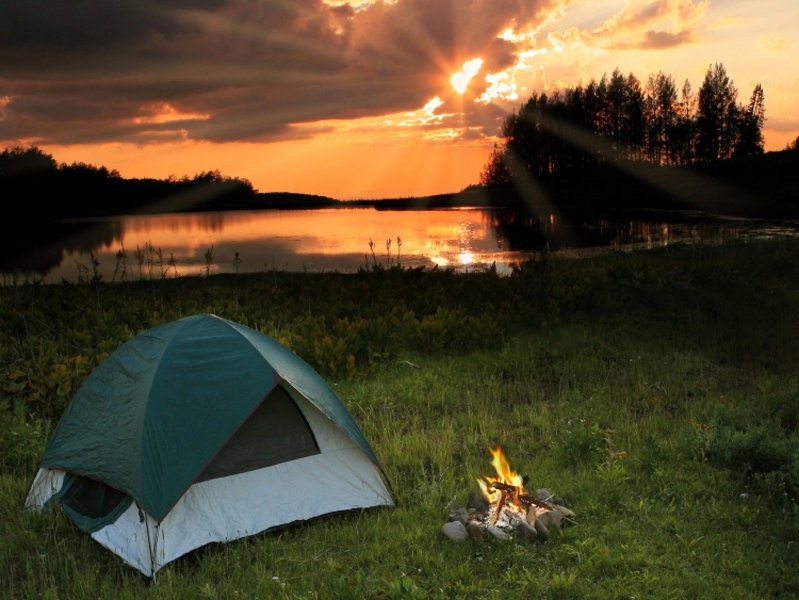Go camping or on holiday with friends and family ☀️