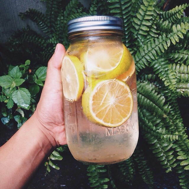 Lemon water tastes great and helps boost metabolism!🍋