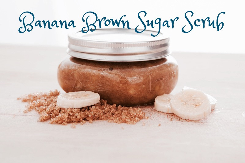BANANA BROWN SUGAR SCRUB|This moisturizing, oil-free scrub gives your skin a youthful glow. Plus, it's packed with vitamins + minerals to help keep your skin tight.  INGREDIENTS | (+)1 cup brown sugar (+)3 brown bananas