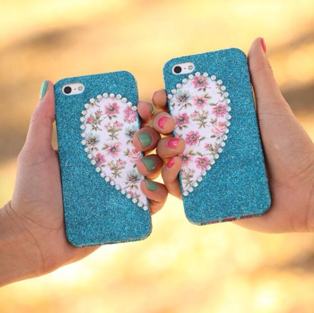 9. Best friend phone case