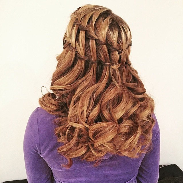 Ladder Braid What do you get when you layer two waterfall braids on top of each other? A ladder. This style takes those extra cascading pieces and creates second plait. Don't be surprised if you have to talk to yourself while you practice this one.