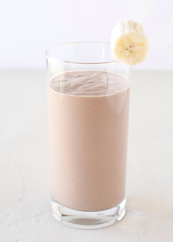 1 banana 1 tablespoon peanut butter 10oz almond milk 6 ice cubes  Blend & Enjoy! 😄