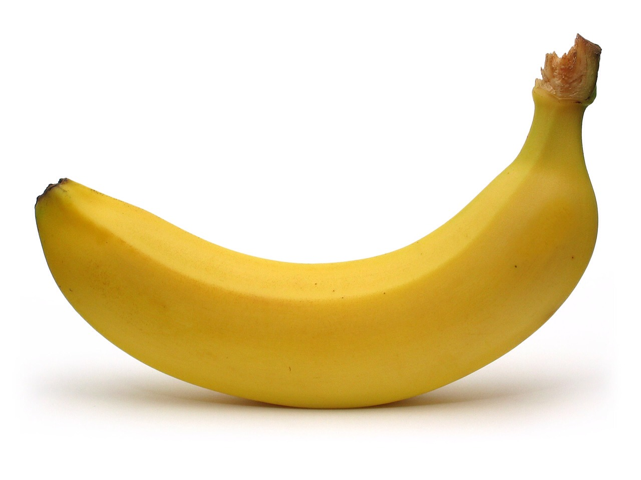 1.Blend banana in a blender, making sure all chunks are smoothed out (this is VERY important! If you don't, you'll be stuck with banana chunks stuck in your hair all day)