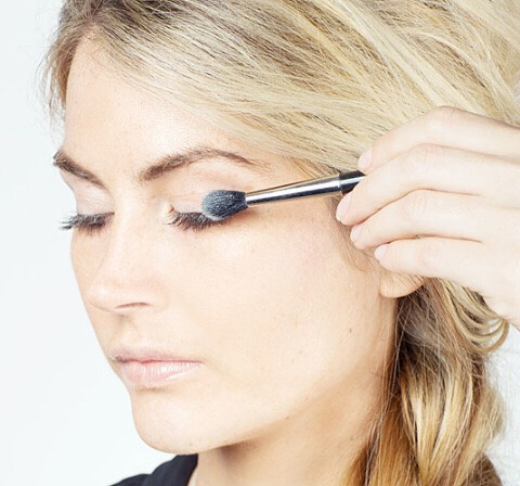 Dust on translucent powder in between coating on mascara to plump up your lashes.