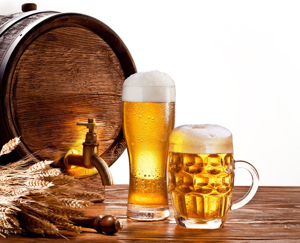 Beer works as a wonderful hair conditioner. The protein in beer assists a lot in repairing damaged hair cuticles as well as nourishes hair follicles, which in turn makes your hair smooth and shiny.