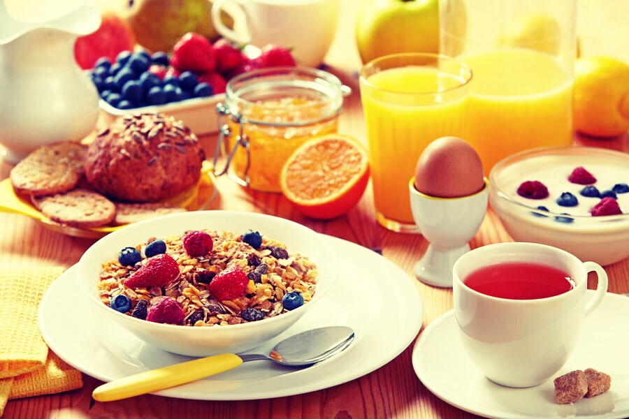 Eat breakfast! Too many of us skip breakfast, in order to cut back on calories or just because we don't have time. But eating breakfast boosts the metabolism, and really gets you going for the day. Try eating a bagel, some eggs, or any yummy and healthy breakfast to get you going!