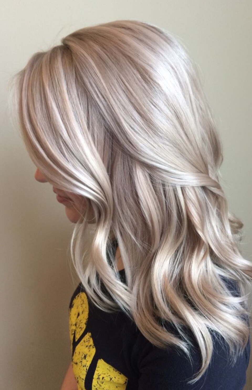 Blonde is such a versatile hair colour! It comes in a whole host of different stunning shades from a warm caramel to an ash blonde a vibrant bleach and