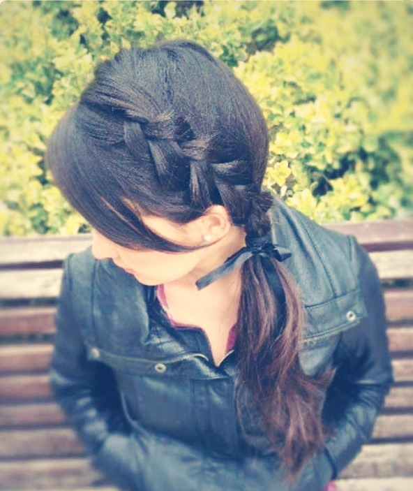 Get this super cute hairstyle by following these steps...