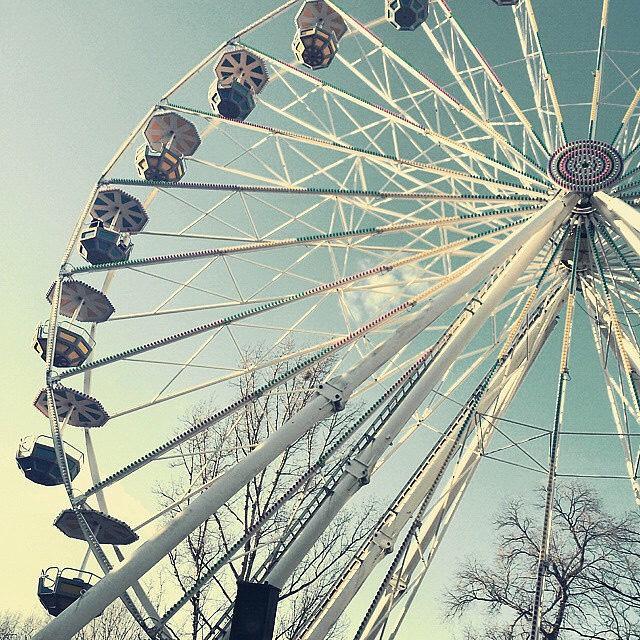 9. Ride a Farris wheel