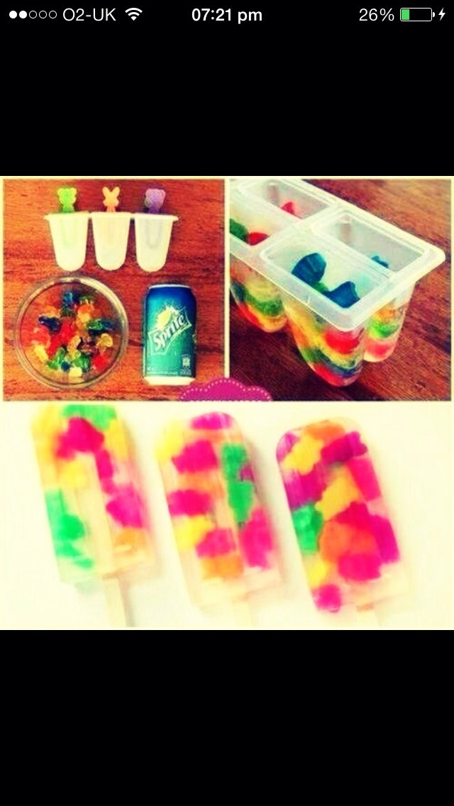 1. Buy Popsicle moulds from the pound/dollar shop 2.buy gummy bears and a can of sprite (3 tops) 3.add the gummy bears and then pour the sprite on top 4.put a stick in the middle and leave in the freezer over night🍬🍭