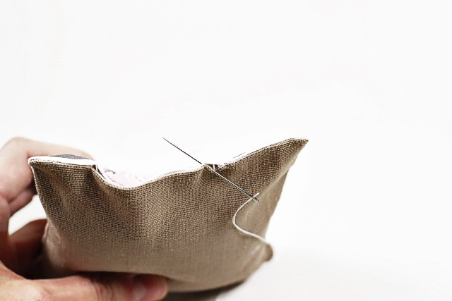 Carefully sew your bag shut with a hidden stitch: