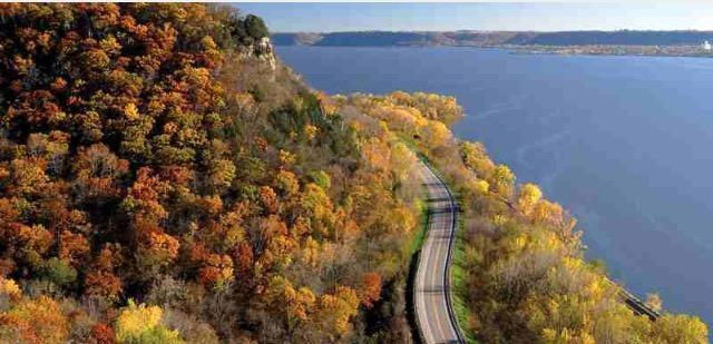 5. Cruise down the Great River Road