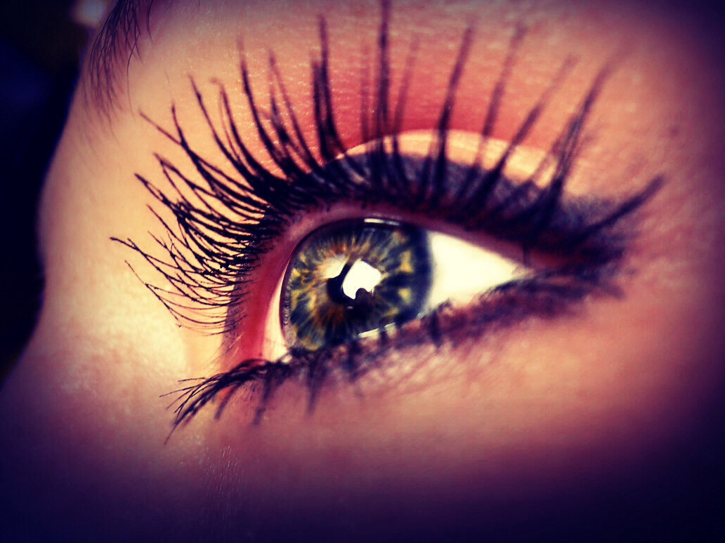 Do u want extremely long eyelashes? Well, keep reading and don't forget to like 😊