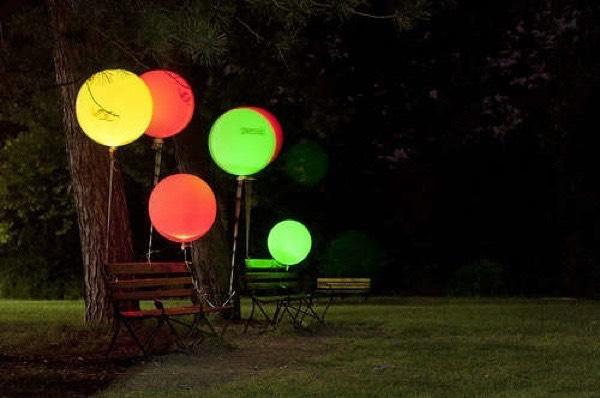 Put glow sticks in baloons!