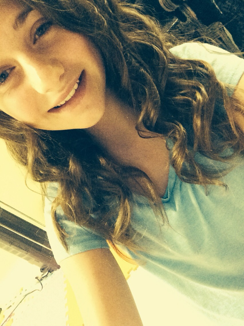 Use a royal straightener it works best👍 Like and I'll make a video on how to get the perfect curls👏