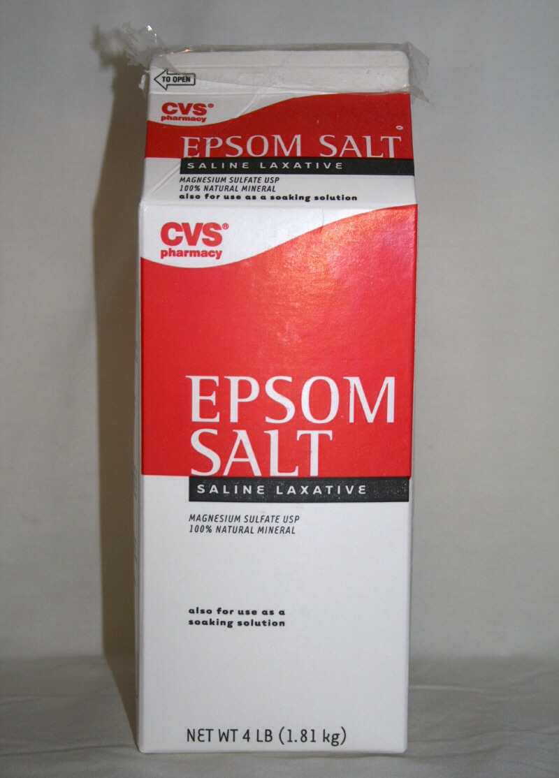 Combine 1/4 cup of boiling water with 1 teaspoon of Epsom salt and 3 drops of iodine. Let this mixture cool until it's comfortable to the touch. Saturate a cotton ball with this mixture and dab on blackheads.