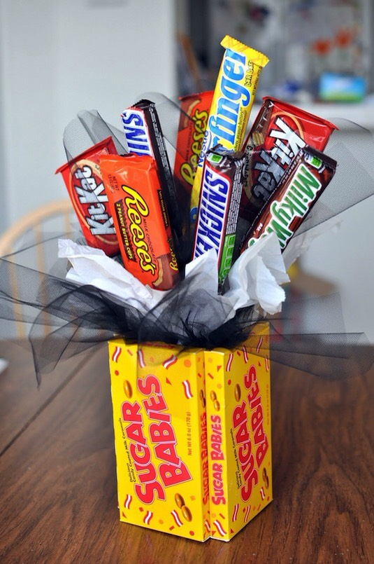 5. Candy Bouquet A bouquet of candy is the perfect gift for someone who is hard to shop for! Who doesn't love candy, right? I like this idea for a teenager, or perhaps for dad on Father's Day.