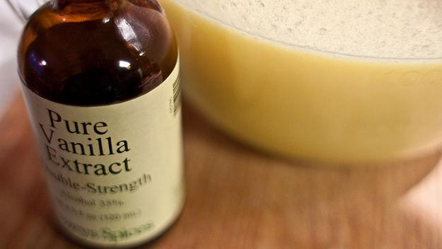 24. Get rid of household odors with vanilla extract in the oven.