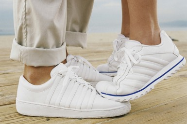 5. Wash sneakers with baking soda, detergent and a toothbrush to liven them up.