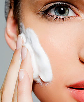 After removing the eye makeup, use a gentle, hypoallergenic, oil-free and fragrance-free cleanser. Do not use a cream cleanser. Gently massage the cleanser on your eyelids with your fingertips. Rinse off.