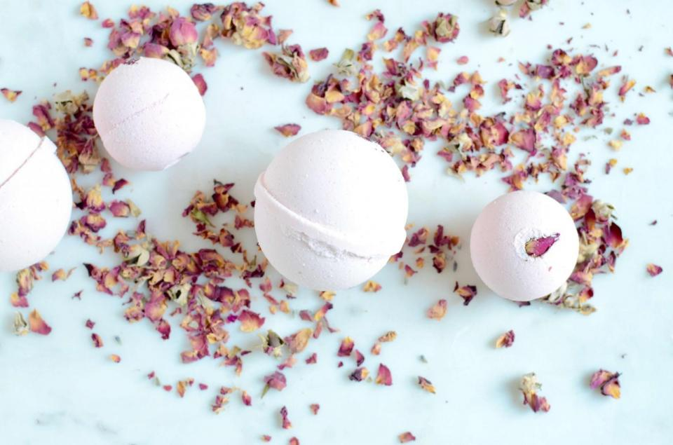 We take baths very seriously here at Musely. And since it's getting colder and colder every day, and the overwhelming holiday season is coming up, we find ourselves bathing to de-stress more often than ever nowadays. Here are our favorite products for a warm, relaxing, and pampering bath time.  Zaaina Skincare Rose Aromatherapy Bath Bomb Refreshing and rejuvenating, these aromatherapy bath bombs are made with pure essential oils and sea salt. Soak your self in a bath tub with these bath bombs to soothe your skin, improve circulation, and help you sleep better.     Arya Essentials Shanti Bath Salts Calm your mind with this mineral enriched bath salt that includes Jasmine and Vetiver, which evokes a sense of serenity. Himalayan salt crystals, one of the purest salts in the world, helps detox and soften your skin while nourishing Ashwagandha revitalizes your body.
