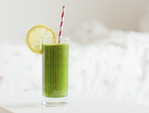 GREEN SUMMER This smoothie alkalizes your body, improves digestion and promotes healthy and rejuvenated skin!