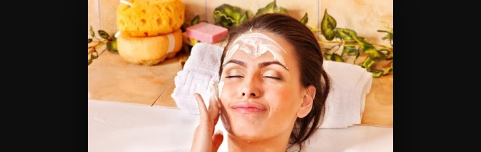 clay and lemon face mask for getting rid of oilyness