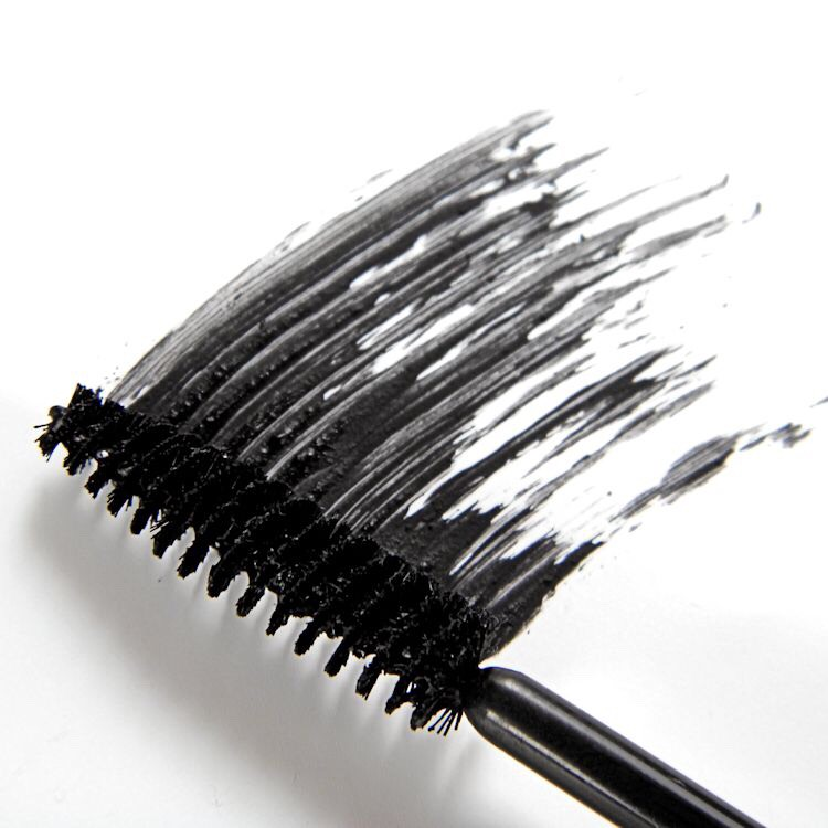 Chose a mascara that's right for you. Apply at the roots of your lashes. Do about three coats of mascara.