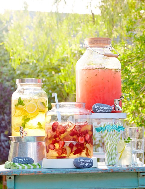 Have drinks easily accessible. Staying hydrated is important; especially if you're going to be outdoors for a while
