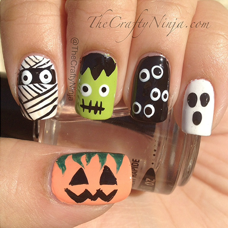 Different types of Halloween Nails hope this helps!