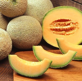 Cantaloupe - lots of vitamin C, antioxidants, potassium, Zea-xanthinin (helps protect eyes), vitamin A (helps protect against lung and oral cavity cancer)