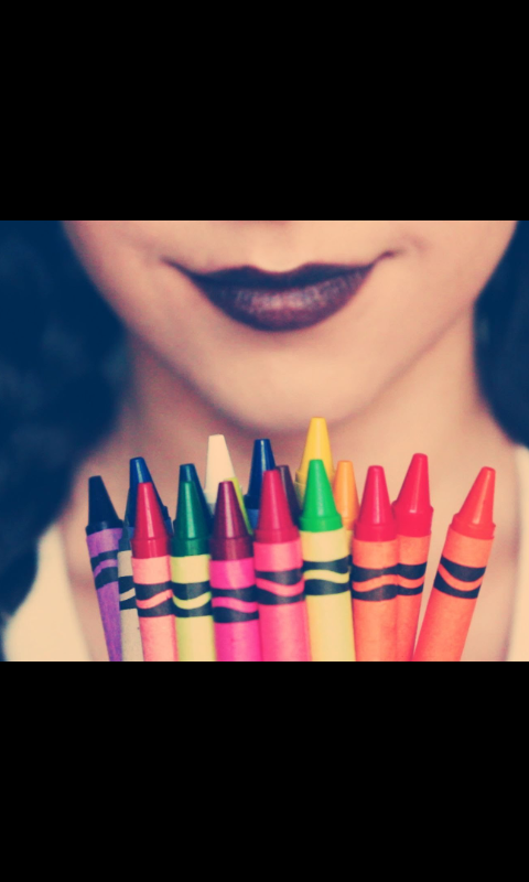 Ever wonderd  if you could make lipstick out of crayons. WELL YOU CAN! :)